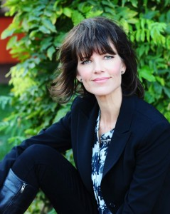 Dara Holland, Freelance writer, Copywriter, Ghostwriter
